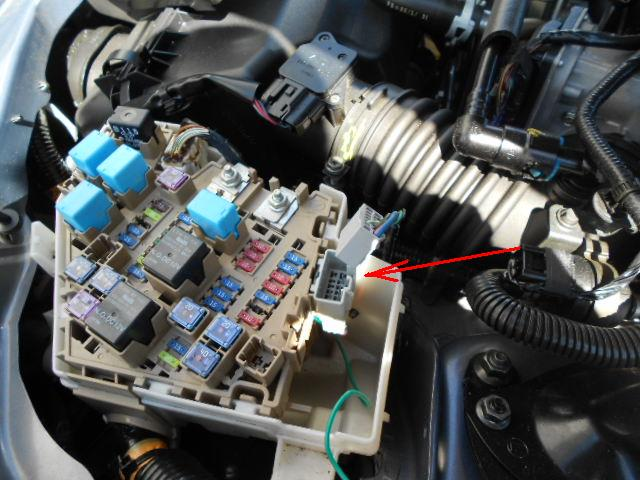 dscn0283 fog lights the way they should be mx 5 miata forum 2006 mazda miata fuse box diagram at soozxer.org